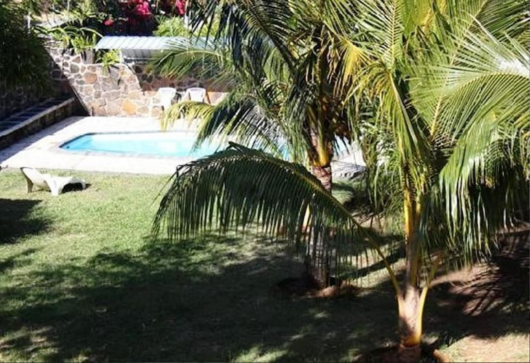Talipot Lodge, Grand Gaube, Pool