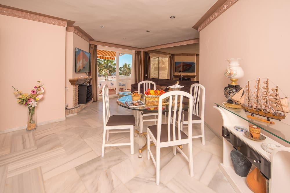 Penthouse, 2 habitaciones, terraza, vista al mar (2 green fees included) - Sala de estar