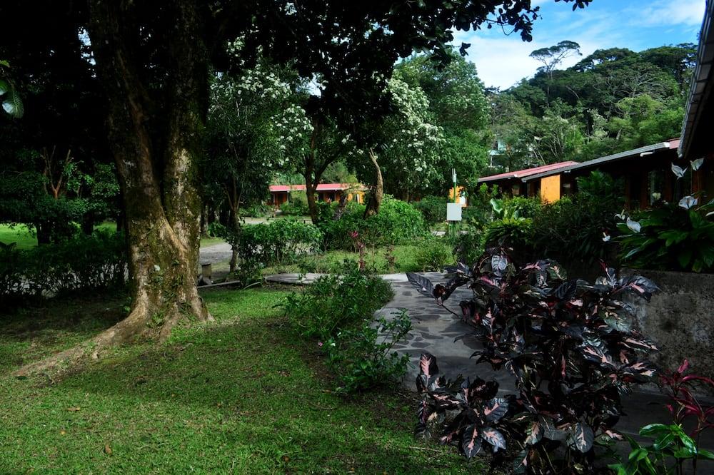 Basic-Dreibettzimmer - Blick auf den Garten