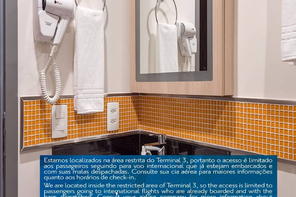 Deluxe-huone, 2 yhden hengen sänkyä (intl departure, passengers only) - Kylpyhuone