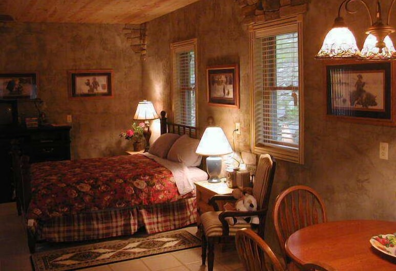Poncho's and Lefty's Hideout, Custer, Deluxe Cabin, 2 Bedrooms (Hideout), Room