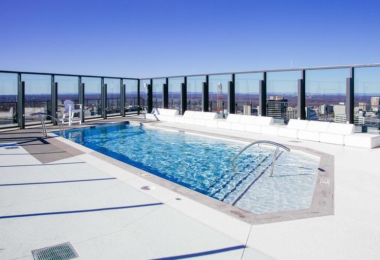 BridgeStreet at VITA Luxury Apartments, מקלין, בריכה חיצונית