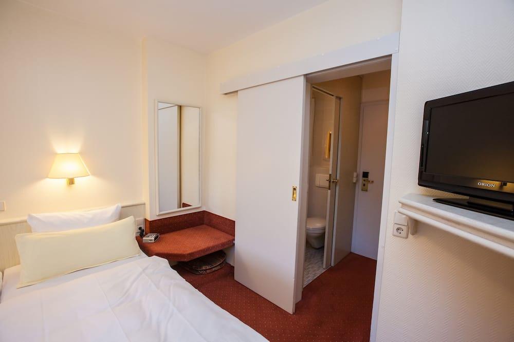 Standard Double Room, Balcony, River View - Bathroom