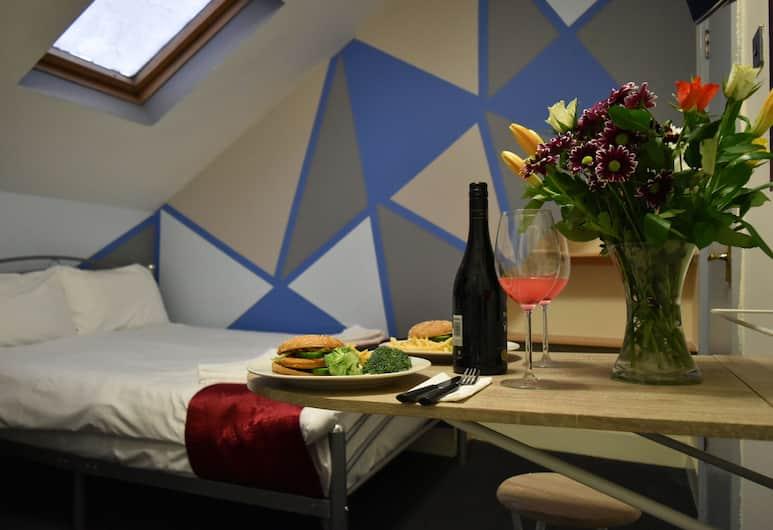 London Olympus Hotel Nirvana, London, Studio Deluks, 1 Tempat Tidur Double, Pemandangan Kamar Tamu