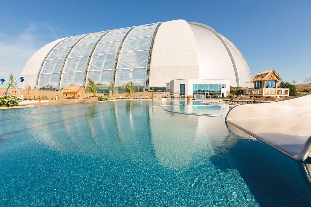 Açık Yüzme Havuzu