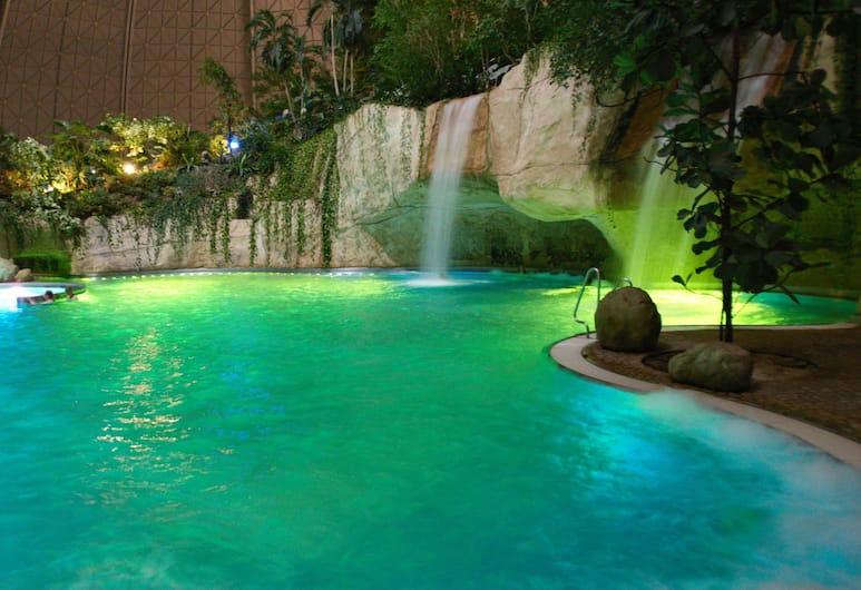 Tropical Islands Resort, Krausnick-Gross Wasserburg, Pool Waterfall