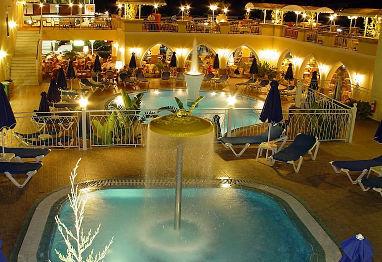 Hotel Pefkos Beach, Rodosz, A szálláshely külső területe