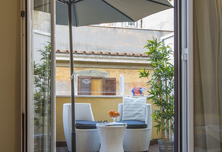 Relais Monti, Rome, Double Room, Terrace, Guest Room View