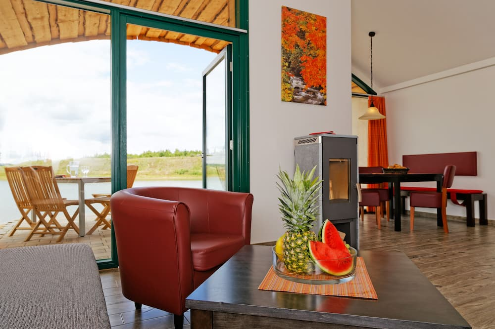 舒適平房, 2 間臥室, 露台, 海港景 - 客廳