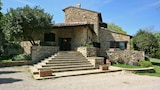 Choose This Cheap Hotel in Castellina in Chianti