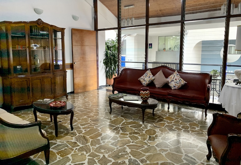 Hotel Zandu, Pereira, Sala de estar en el lobby