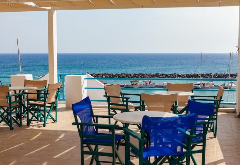 Porto Villa Hotel, Santorini, Hotel Front
