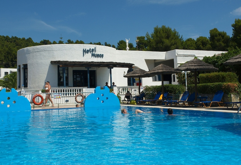 Hotel Muses, Скиатос, Бар у бассейна