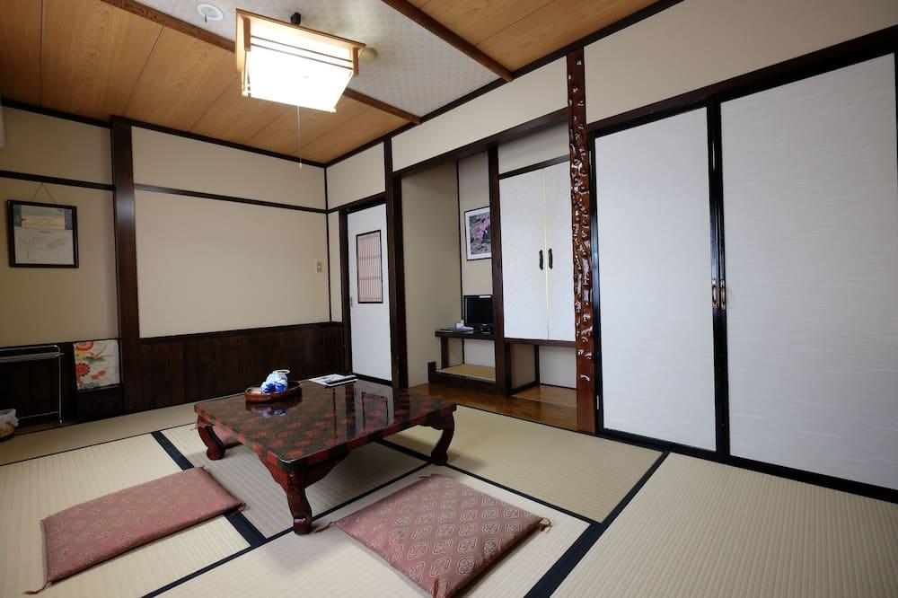 חדר קלאסי (05, Komakusa) - אזור אוכל בחדר