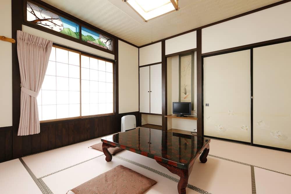 חדר קלאסי (07 Kikyo) - אזור אוכל בחדר