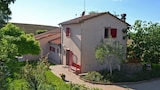 Choose this Villa in Cortona - Online Room Reservations