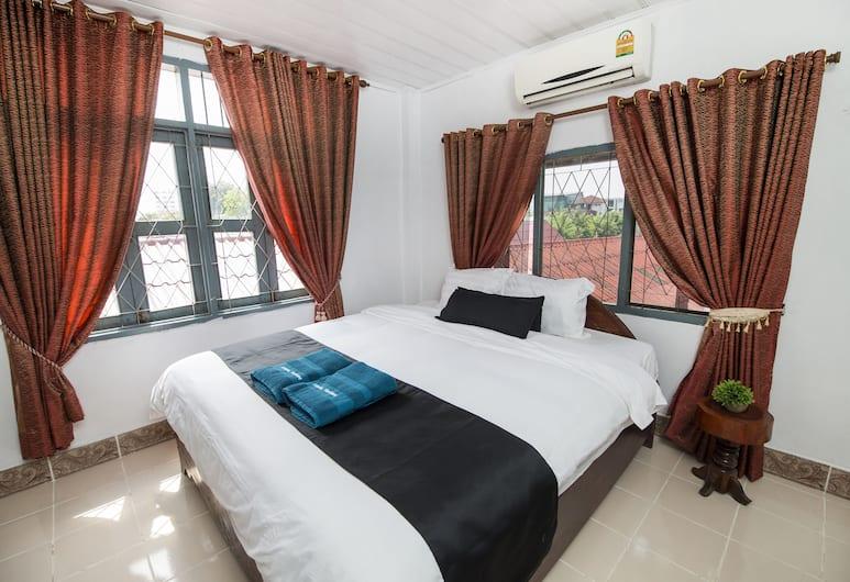 Atlantic Vientiane Hotel, Vientiane, Deluxe Double Room, 1 King Bed, Non Smoking, Guest Room