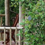 Tent (2 Safaris Included) - Svalir