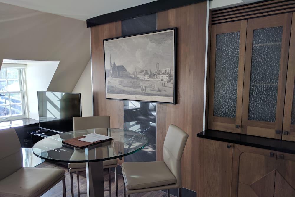 Suite Deluxe, 1 cama King size con sofá cama, vista al parque - Sala de estar