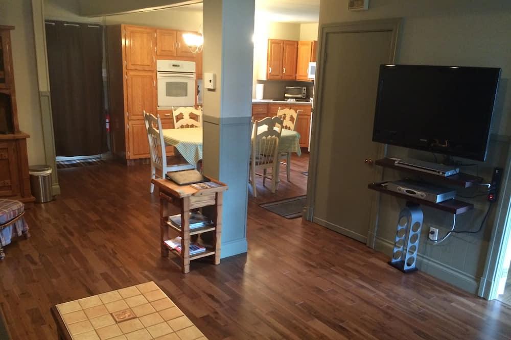 Rodinná chata, 4 ložnice, bezbariérový přístup, 2 koupelny - Obývací prostor
