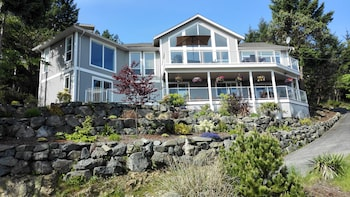 Picture of Nanaimo Ocean View Guesthouse in Nanaimo