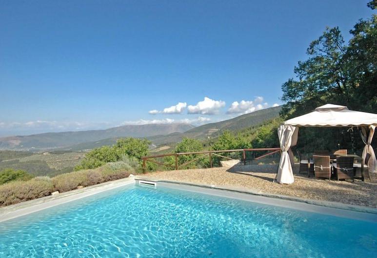 伊甸別墅, 塞斯托費歐倫提諾, 室外泳池