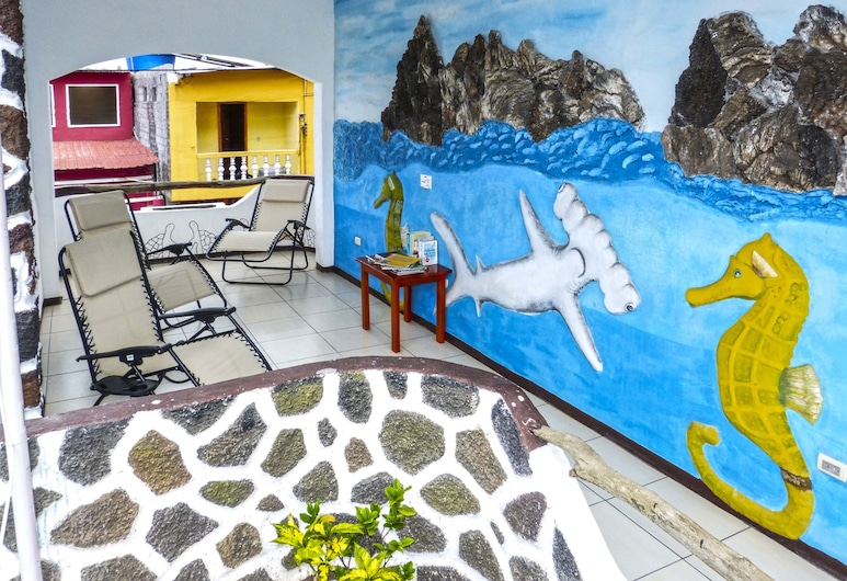 Hotel Coloma Galapagos, Puerto Ayora, Terasa/trijem