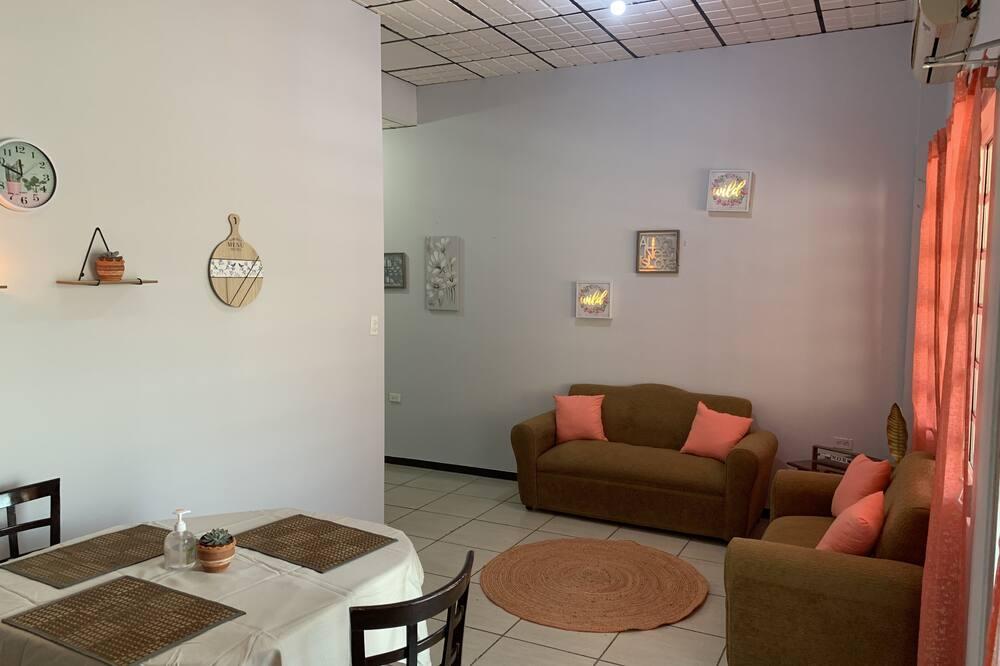 Deluxe Double or Twin Room, 2 Bedrooms, Mountain View, Ground Floor - Living Area