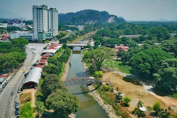 Enter your dates for our Ipoh last minute prices