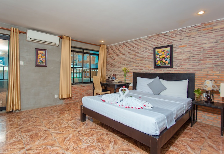 Best Central Point Hotel, Phnom Penh, Honeymoon Suite, 1 King Bed, City View, Guest Room