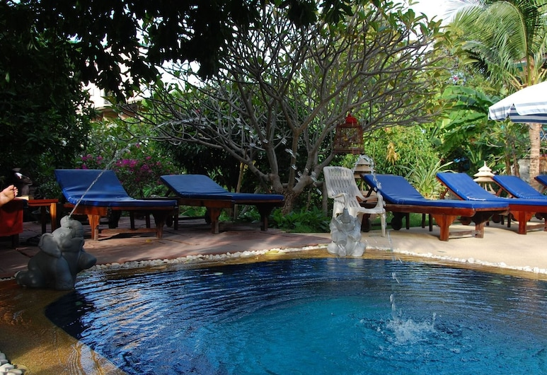 Sirikarn Residence & Luxury Apartments, Паттайя, Відкритий басейн