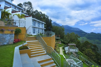 "תמונה של Fragrant Nature Munnar - ""A Classified Five Star Hotel"" בדביקולאם"