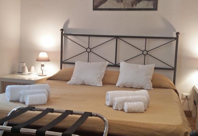롬 센터 룸, 로마, 디럭스 트리플룸, 침실 1개, 앙스위트, 정원 전망, 객실