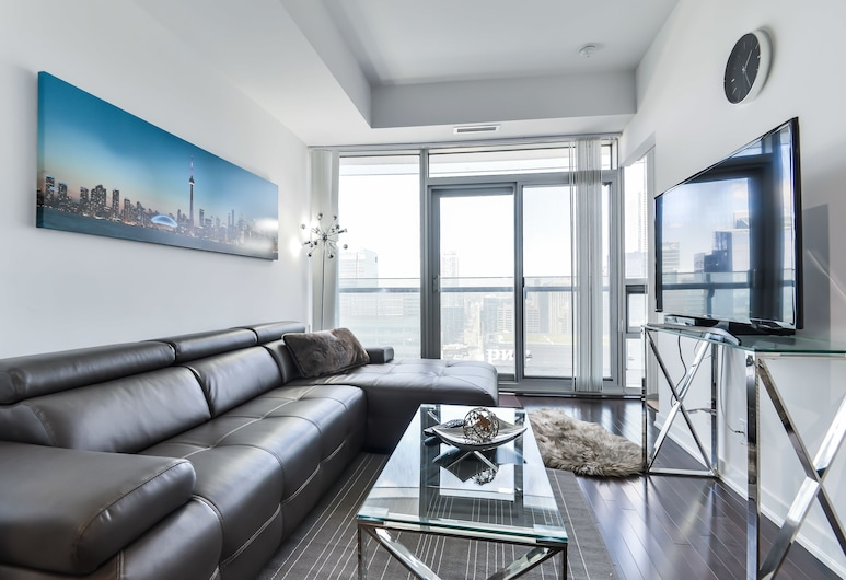 Atlantis Furnished Suites - York Street, Toronto, Condo, 1 Bedroom, City View, Living Area