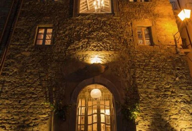 Le Bifore, Cortona, Hotel homlokzata - este/éjszaka