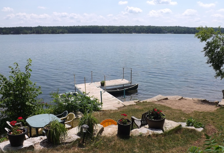 Woodhaven Country Lodge, Trent Lakes
