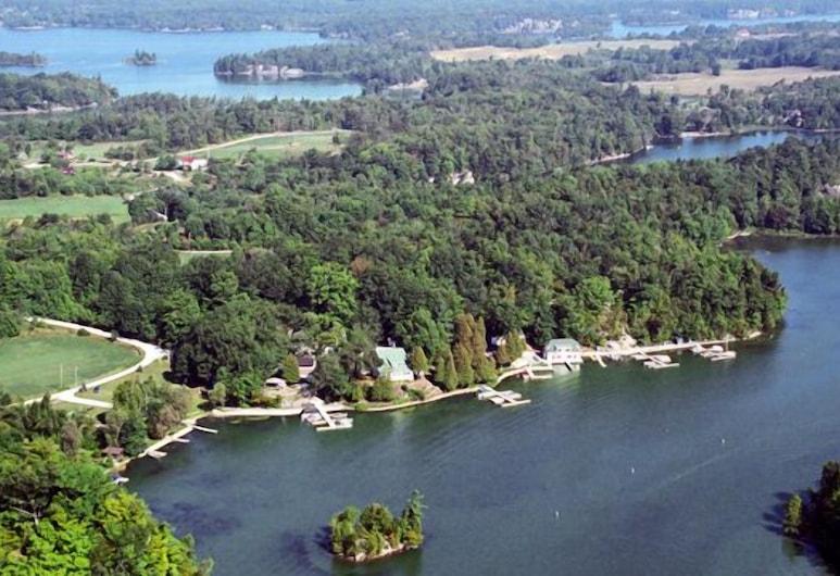 Melody Lodge, Frontenac