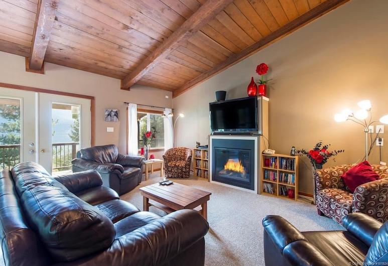Top Hat Terrace Vacation Rental, Revelstoke, Cabin, Multiple Beds (Sleeps 9), Room