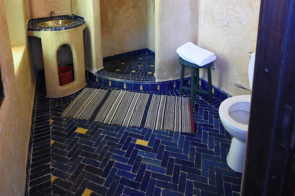 Standard Double or Twin Room, 1 Bedroom, Non Smoking - Bathroom