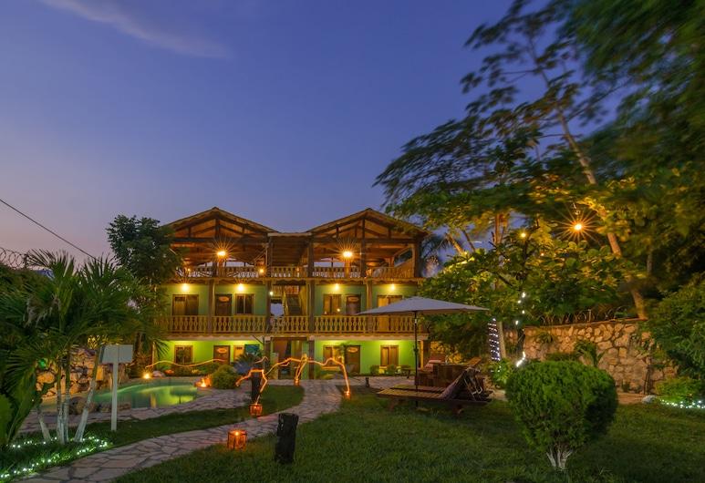 Casa Hunahpu, Santa Elena