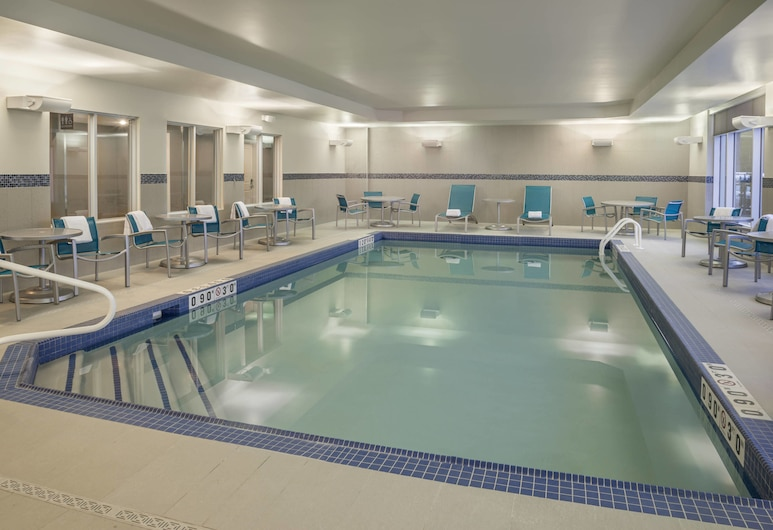 TownePlace Suites by Marriott Ottawa Kanata, ออตตาวา, สระว่ายน้ำในร่ม