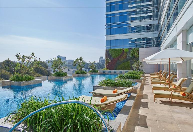 شانجري-لا هوتل بنجالورو, بينجالورو, غرفة ديلوكس - سرير ملكي, حمّام سباحة خارجي
