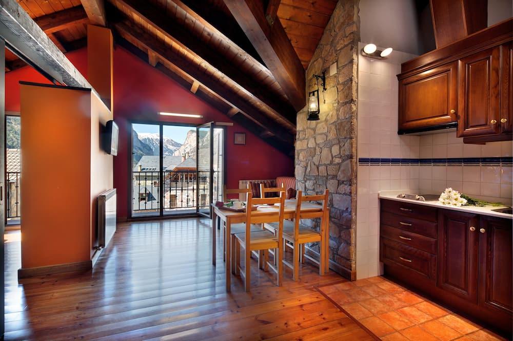 Appartement Romantique, 1 chambre - Restauration dans la chambre