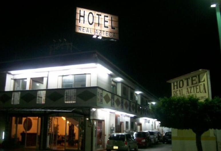 Hotel Real Azteca, Chetumal, Průčelí hotelu ve dne/v noci