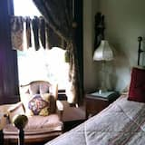 Dr. Tiffany Room - Guest Room