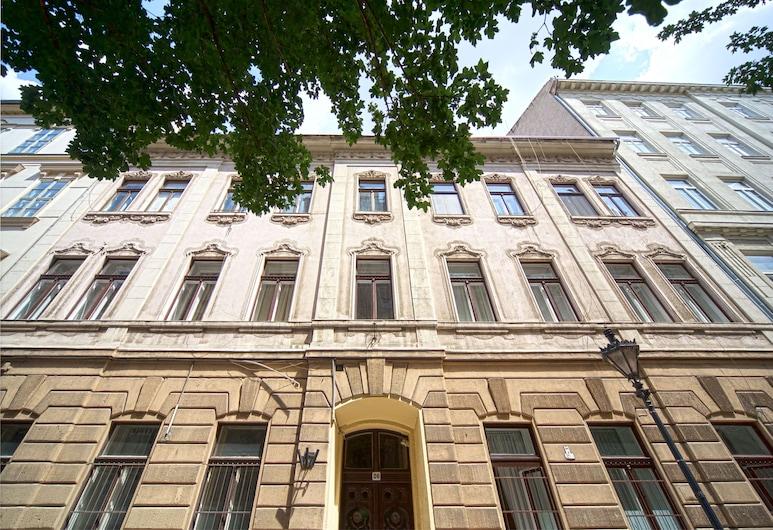 Amber Gardenview Studios, Budapešť, Vstup do zariadenia