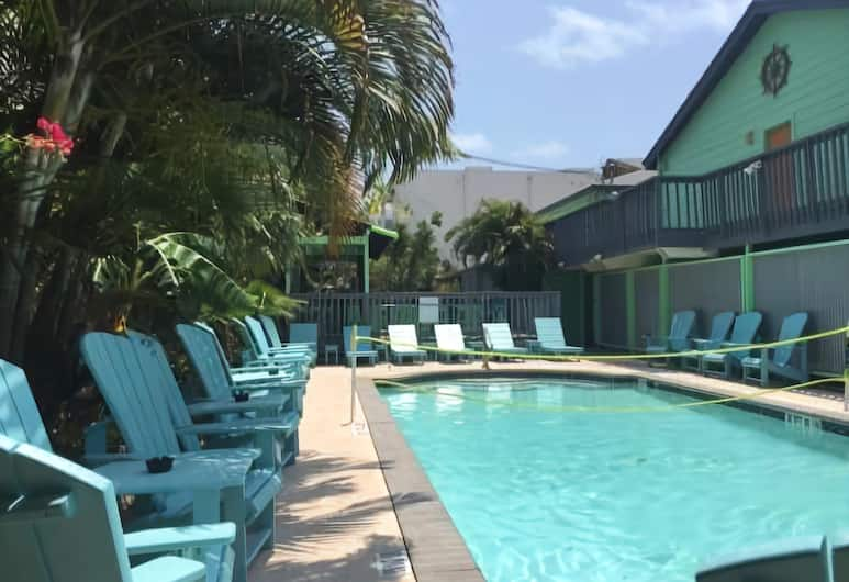 Upper Deck Hotel and Bar -Adults Only, South Padre Island, Outdoor Pool