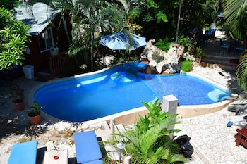 Picture of West Bay Lodge in Roatan