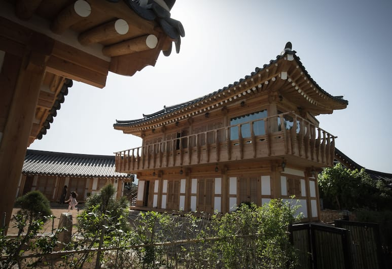 Happy Village Syeobul Guesthouse, Gyeongju, Näköala hotellista