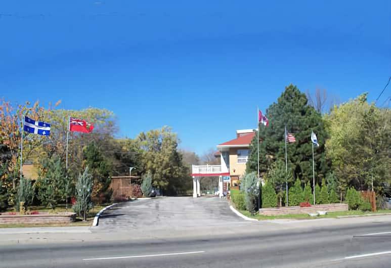 Park Motel, Toronto, Bahagian Luar